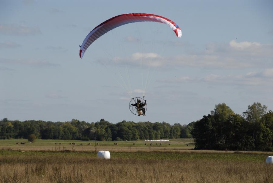 Paramotoring - KEELUTSOON - Lennuklubi - Meiega lendad!